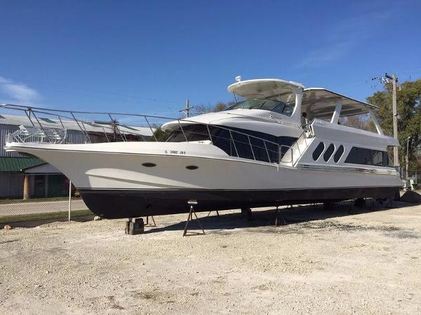 Bluewater Yachts 680 Custom Series