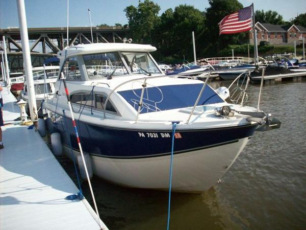 Bayliner 246 Discovery Hardtop (SRG)
