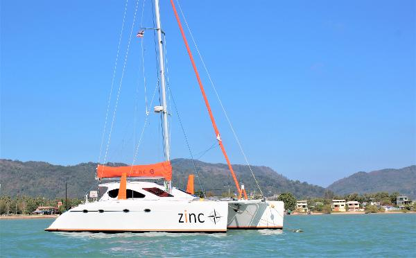 Catamaran Spirited Designes 380