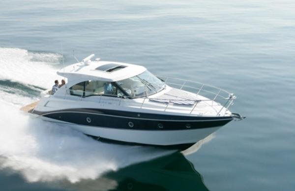 Cruisers 41 Cantius Running Shot - Sistership Photos