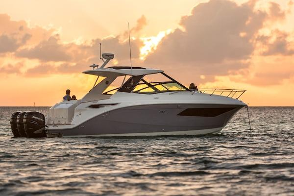 Sea Ray Sundancer 320 Outboard