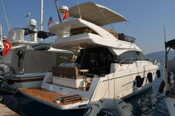 Bavaria Motor Boats 420 Fly