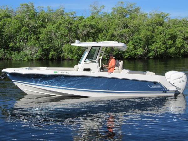 Boston Whaler 280 Outrage Port profile
