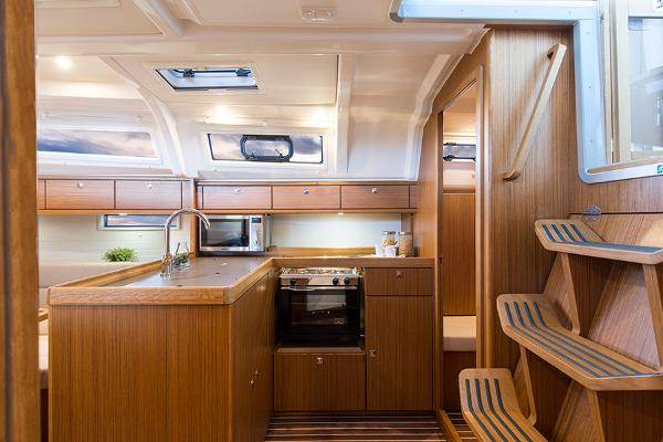 Bavaria Cruiser 37 Galley
