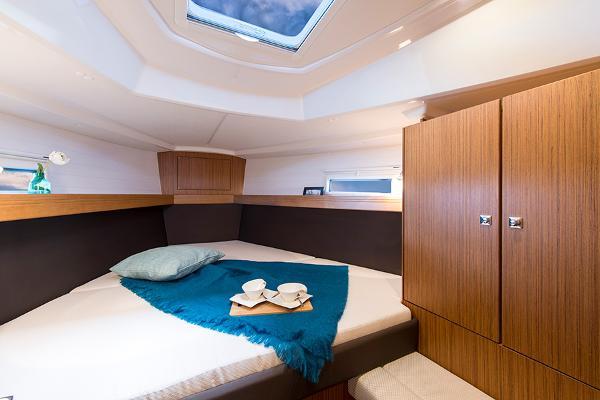 Bavaria Cruiser 37 Cabin