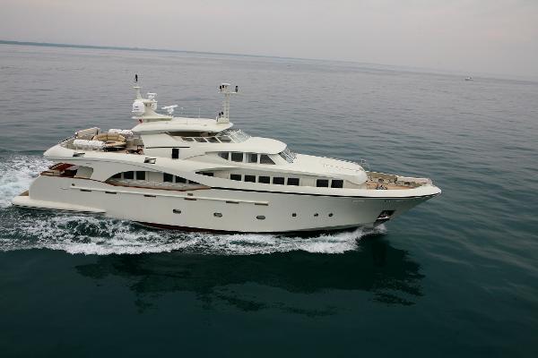 Ferretti Navetta 33 premier yachting Gianetti Navetta 33