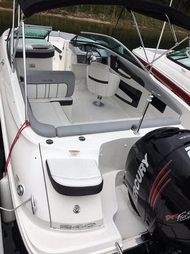 Sea Ray 240 Sundeck OB