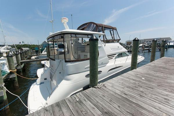 Sea Ray 420 Aft Cabin Profile