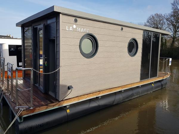Waterlodge ONE - Floating Apartment