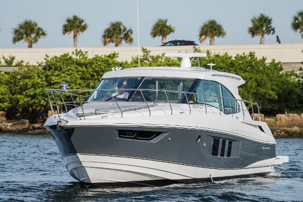 Cruisers Yachts 45 Cantius Profile