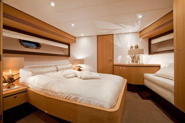 Wim van der Valk 23m VIP Guest Cabin