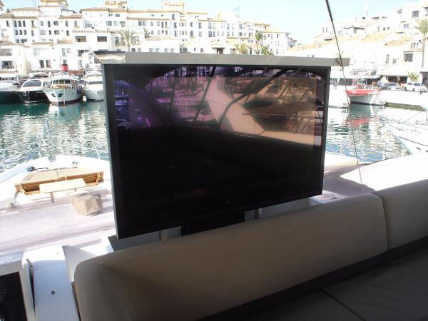 Princess 72 MY Flybridge TV