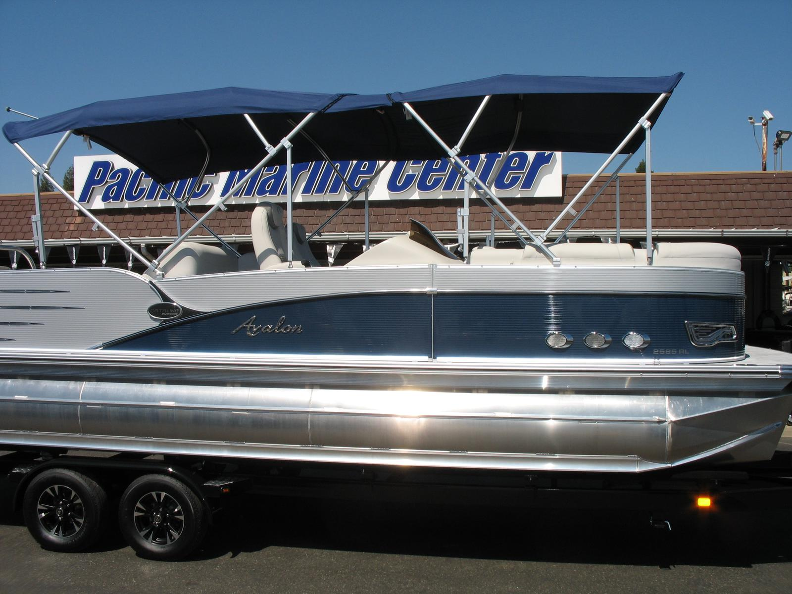 Avalon Catalina Platinum Rear Lounge 25'