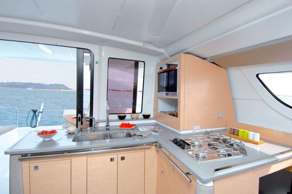 Fountaine Pajot Lipari 41 Galley