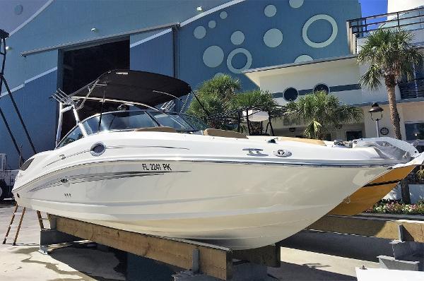 Sea Ray Sundeck 300