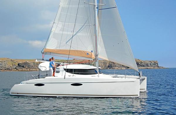 Fountaine Pajot Mahe 36 Evolution Side View