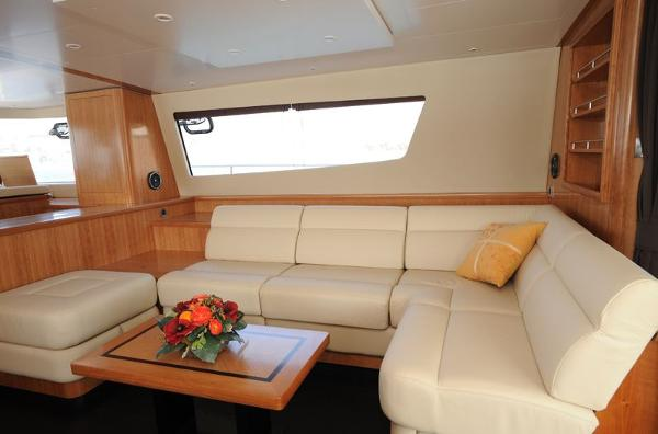 Fountaine Pajot Queensland 55 Saloon