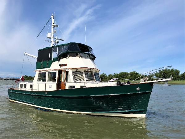 Grand Banks 46 Classic Motor Yacht Profile