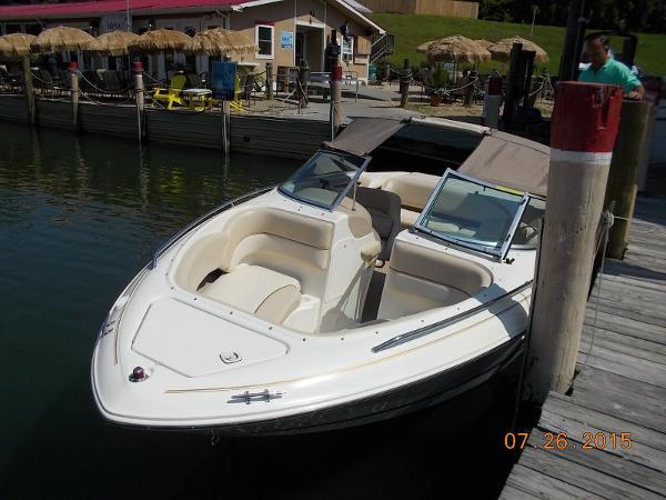 searay 210 Bowrider