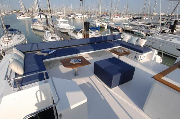 Fountaine Pajot Victoria 67 Flybridge