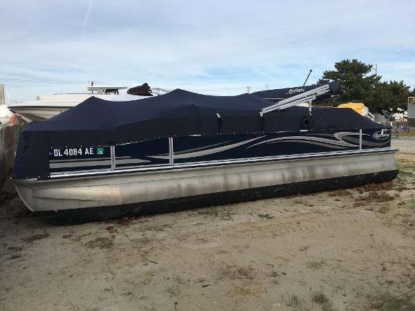 Misty Harbor 2285FS Biscayne Bay