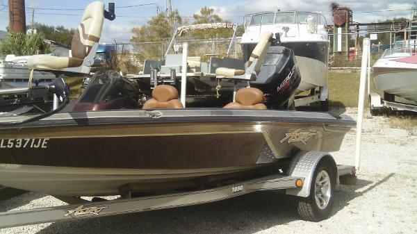 Astro Bassboat