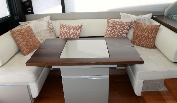 Dinette Lounge