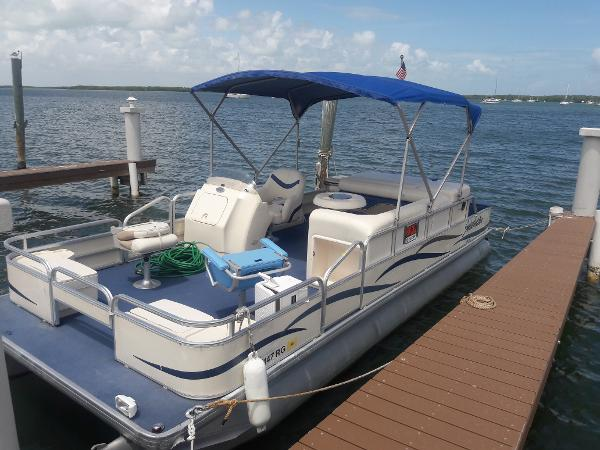 Godfrey Marine Pontoon