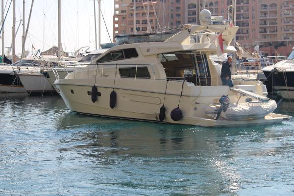 Ferretti Yachts 48 FERRETTI YACHTS 48
