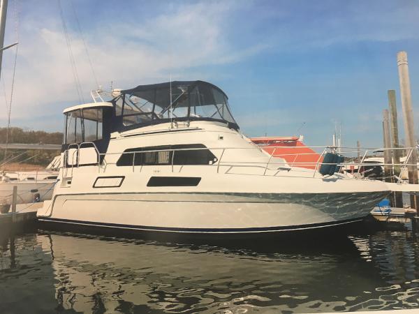 Mainship 37 Motor Yacht