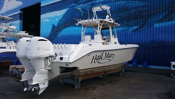 Everglades Boats 325 Center Console
