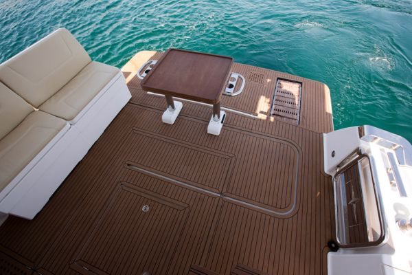 Bavaria Virtess 420 Fly Bathing Platform