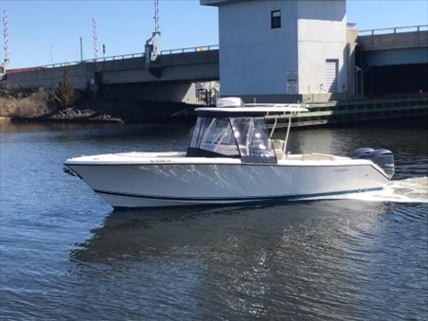 Pursuit C 280 Center Console