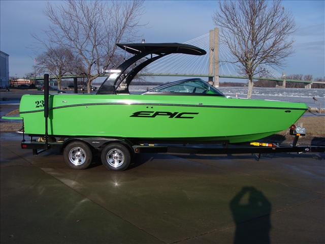 EPIC WAKE BOATS 23 V