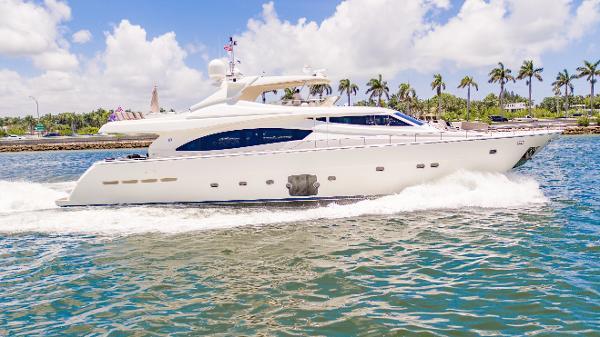 """Ferretti Yachts 881 """"Cinque Mare"""" at 22 knots"""