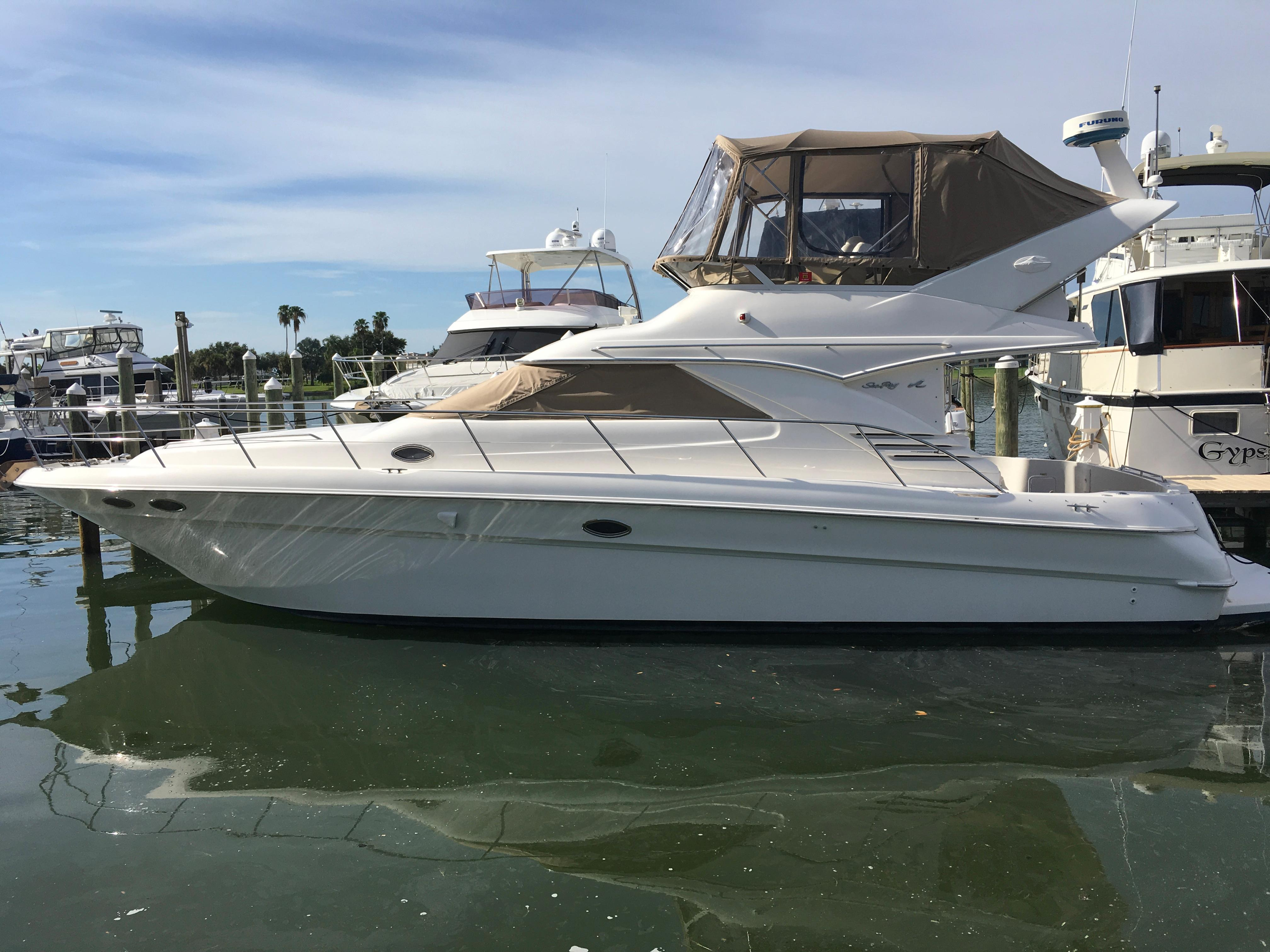 Sea Ray 400 Sedan Bridge Portside
