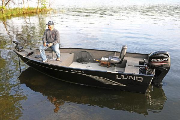 Lund 1625 Fury XL Tiller