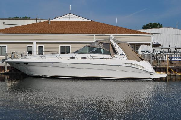 Sea Ray 410 Express Cruiser Port Side