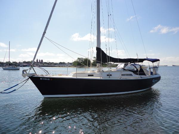 Pearson 10M Pearson 10M Cygnus On moorning port bow