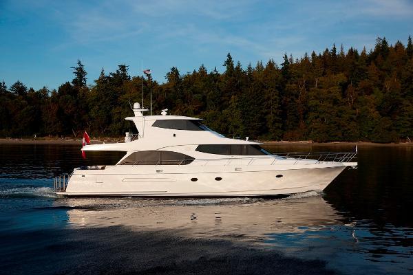 West Bay SonShip Skylounge 72