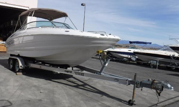 Crownline 240EX Deck Boat
