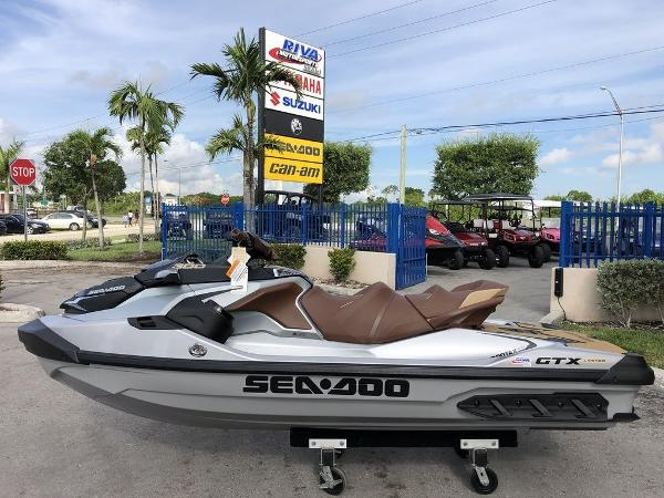 Sea-Doo GTX Limited 300 & Sound System