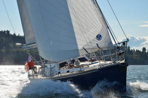 Hylas 54 Sailing