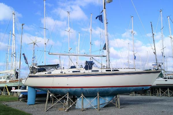 Westerly Oceanlord Starboard side