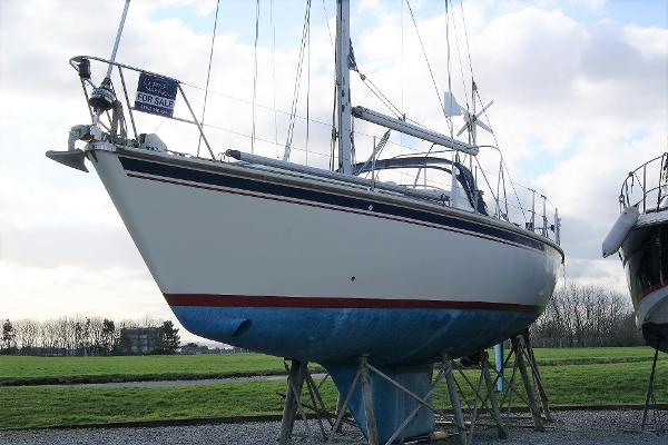 Westerly Oceanlord Port Side bow