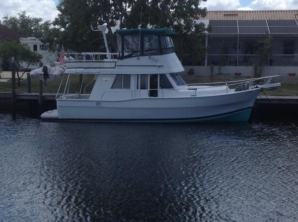 Mainship Trawler 350