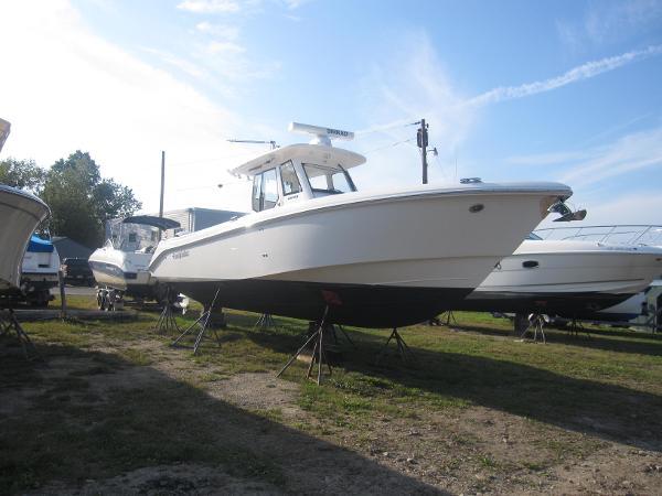 Everglades 325 Pilot