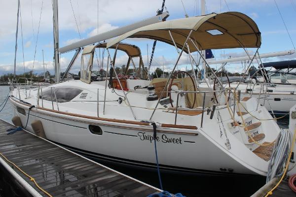 Jeanneau 50 DS Port view