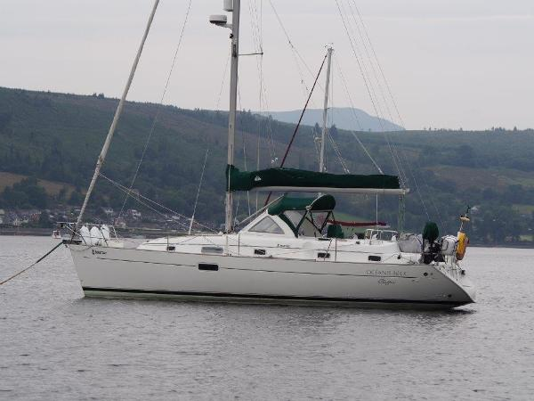 Beneteau Oceanis 36 CC At Mooring