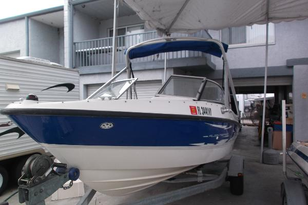 Bayliner 185 Flight Wakeboard Boat